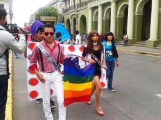 Marcha la comunidad lésbico-gay en Tecpan contra la homofobia - http://www.tvacapulco.com/marcha-la-comunidad-lesbico-gay-en-tecpan-contra-la-homofobia/