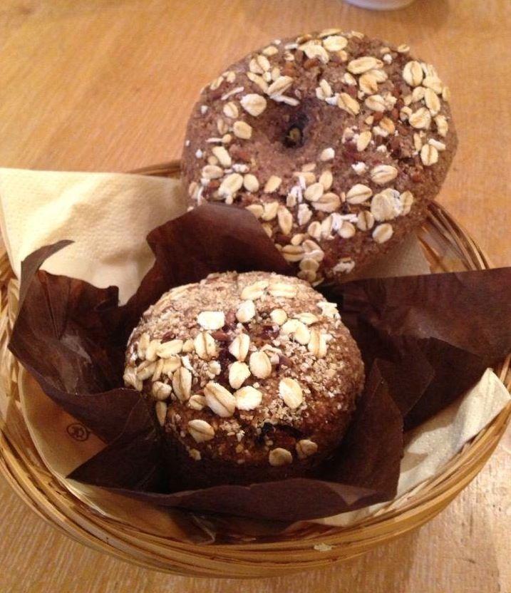 Heb jij ze al geprobeerd? De healthy bagel en muffin van Bagels & Beans? #ontbijt #tarwevrij #lekker #gezond