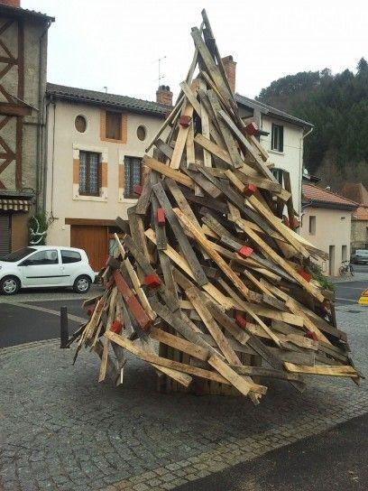 Albero di Natale con il riciclo creativo