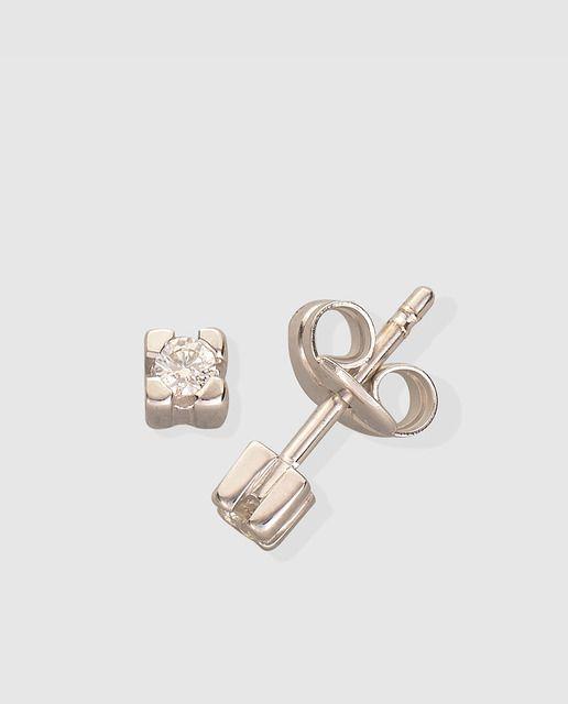 540b003911c2 Pendientes en oro blanco 750 milésimas (18 k.) con diamantes.