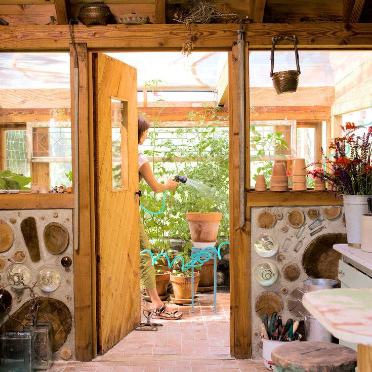 Interior - Charming Outdoor Shed - Sunset