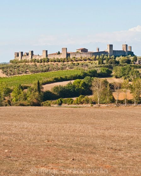 Monteriggioni is only about 30 minutes southeast of San Gimignano. More on Parking and what to see at: http://travelguidenpx.com/day-trips/monteriggioni-tuscany.html
