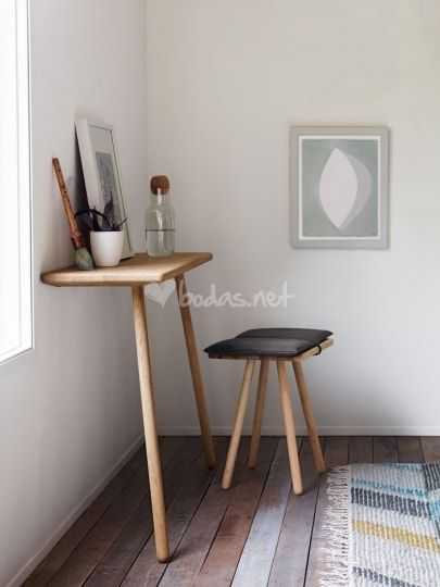 christina-liljenberg-halstrm-georg-console-table-and-stool-nuria-vidal_1_81583.jpg (405×540)