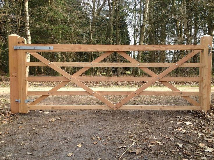 Speurders.nl: Engelse poort van lariks