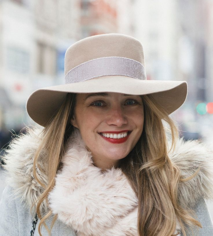 Evelyn at The Stripe Store | Lookave #hat #nude #nudehat @thestripe @prestonandolivia #ootd #onlineshopping #lookave #onlineshopping #streetstyle #style #fashion #outfit