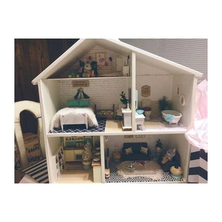 IKEA Flisat  dollhouse makeover photo by @mommytomissa • 51 likes