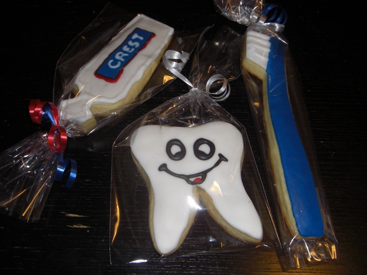 Toothpaste, tooth, and toothbrush cookies =)