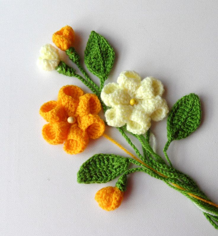 Crochet Applique Flowers and Leaves. Not a free pattern; Inspiration only.