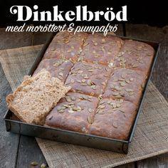 Ett saftigt och gott matbröd med morot, dinkelmjöl och pumpafrön.