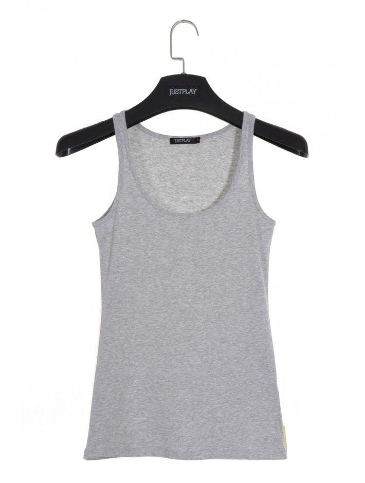 Trendové dámske tričko v obľúbenom strihu a dizajne. Tričko Pallet je z pohodlného a príjemného materiálu - ideálne na teplé letné dni. S JUSTPLAY sa staneš módnou ikonou.