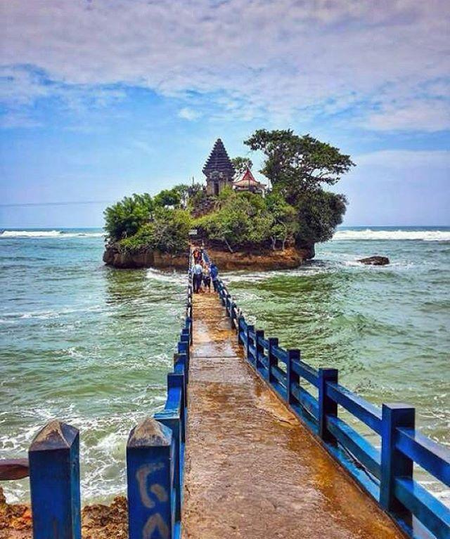 Balekambang, Malang, Indonesia ~ Photograph By @arief_ramadhian