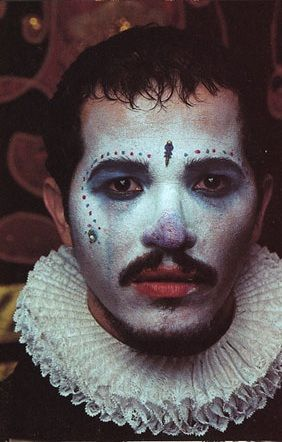John Leguizamo as Toulouse Lautrec in Moulin Rouge...dots? connect the dots? costume themes...