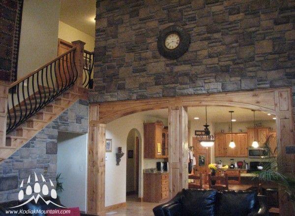 Stone Blend: Southern Hackett & Ledge Stone manufactured stone by Kodiak Mountain Stone