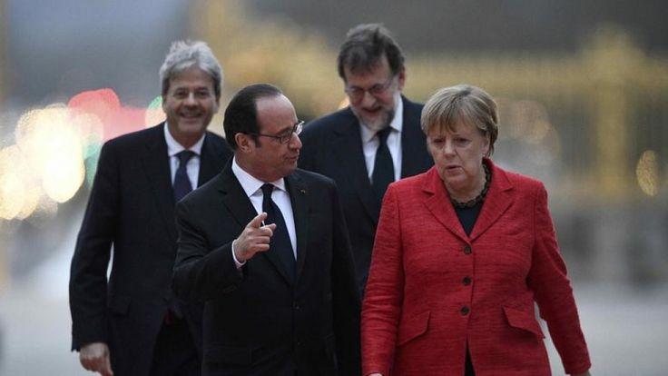 """Βερσαλλίες: Υπέρ της Ευρωπαϊκής Ενωσης πολλών ταχυτήτων οι """"4 μεγάλο"""""""