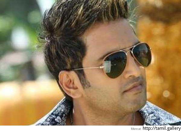 Missed Santhanam while working on 'Kadavul Irukana': Rajesh - http://tamilwire.net/58341-missed-santhanam-working-kadavul-irukana-rajesh.html