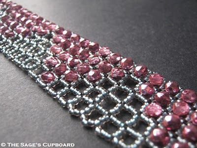 Square Openwork RAW and embellishment. Detailed tute on the netting. Post also has some useful info in the comments ~ Seed Bead Tutorials