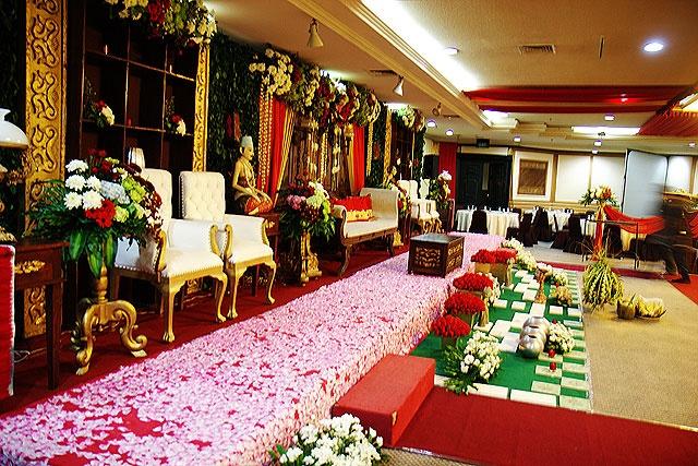 Modern Javanese Wedding Stage
