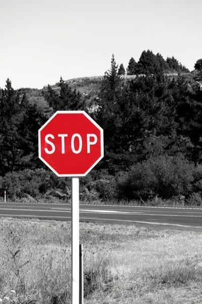 'STOP road sign in New Zealand' von stephiii bei artflakes.com als Poster oder Kunstdruck $15.68