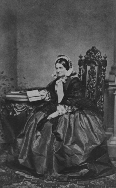 Herzogin Ludovika in Bayern, geborene Prinzessin von Bayern. Tochter von König Maximilian I. Joseph und seiner zweiten Frau Prinzessin Karoline von Baden.