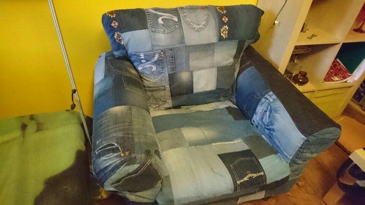 Fotel obszyty jeansem