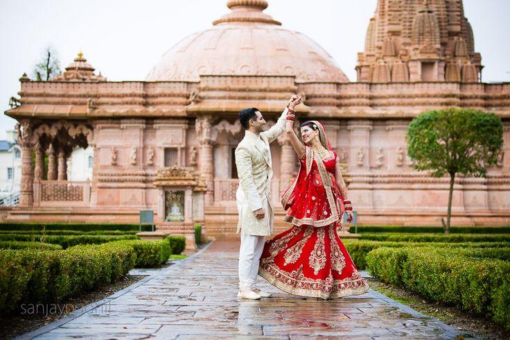 Hindu Wedding portrait at Oshwal centre