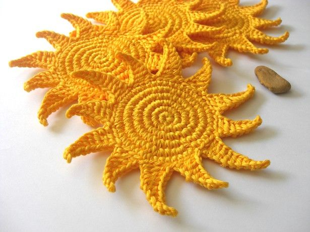 Ah..these are so cool.   Sun Coaster by Athena de la Rosa free crochet pattern on Ravelry at http://www.ravelry.com/patterns/library/sun-coaster