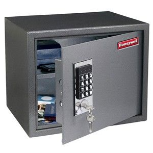 Dads who have everything gift guide: Electronic Safe