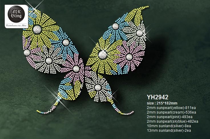 Las mariposas tienden sus alas temblorosas y en alegría loca de luces y colores