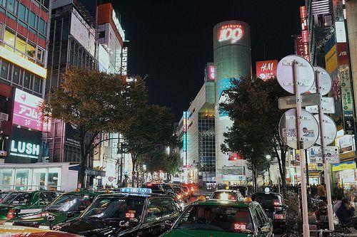 Shibuya Night    *Leica M-E *Summicron 35mm f/2 8element lens. edited on iPhone 5s. akihirohamada.blogspot.jp/ twitter.com/Akihiro_Hamada