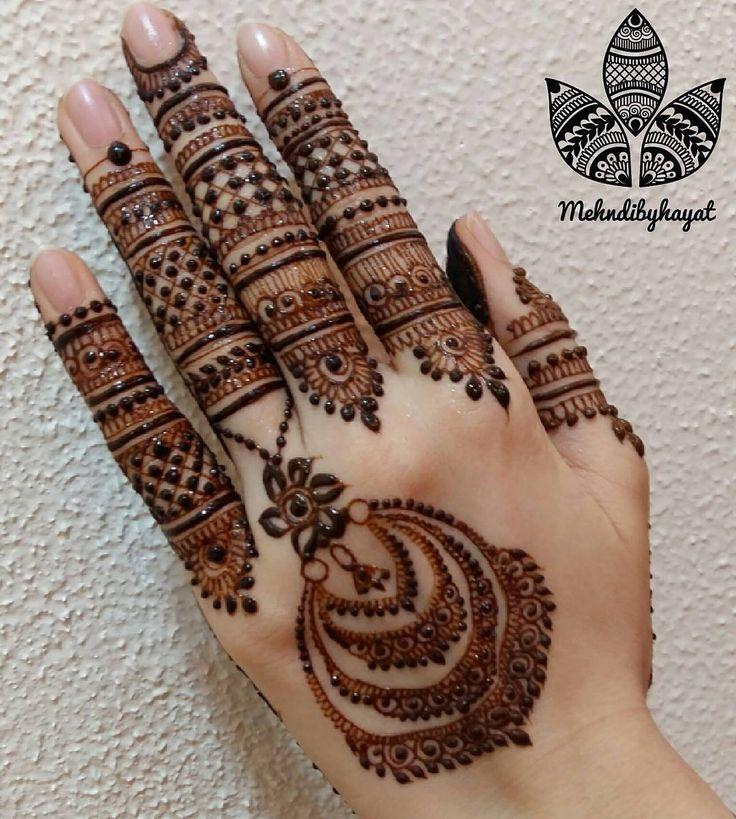 Gorgeous henna design by @mehndibyhayat I like the many layers of round pattern it makes a cool effect! #henna #hennadesign #hennatattoo #besthennaworldwide #besthenna #safehenna#oddlysatisfying#satisfying#hennatattoo#bodyart#mehndiart#naturalhenna#create#hireme#hennabeauty#hennaforsale #hennalookbook#hennaartist#hennaforsale #hennaartists#hennaforsale