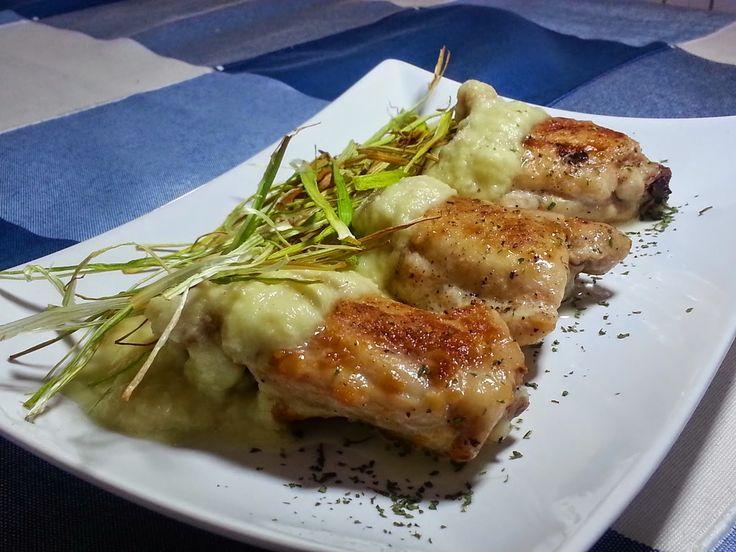 Contramuslos de pollo con salsa de puerros - Silvia Propone  Sustituiré los contramuslos por pechugas y así conseguir rebajar un poco los puntos.