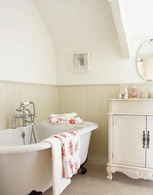 claw foot bath tub, must have in my dream farm house