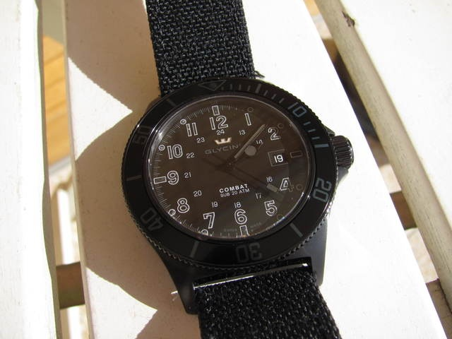 Coin des Affaires - Glycine Combat Sub Stealth