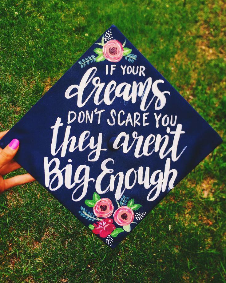 Painted graduation cap by Chera Creative  Instagram:Cheracreative #graduationcap #paintedgraduationcap