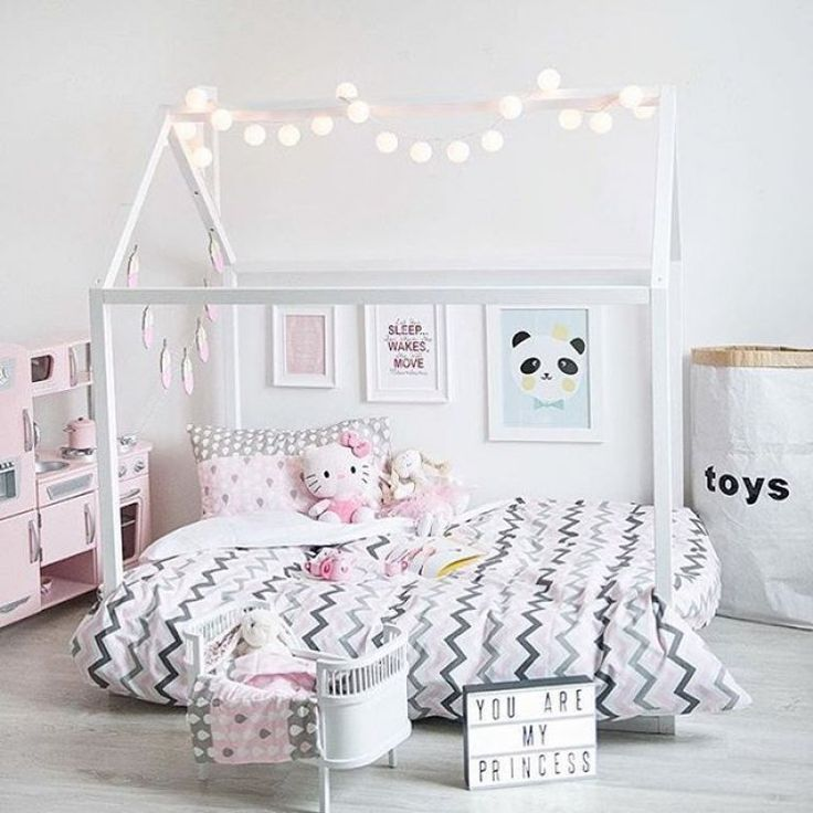 25+ Best Ideas About Bright Girls Rooms On Pinterest