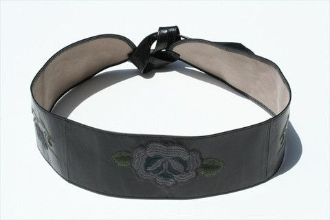 embroided belt - black