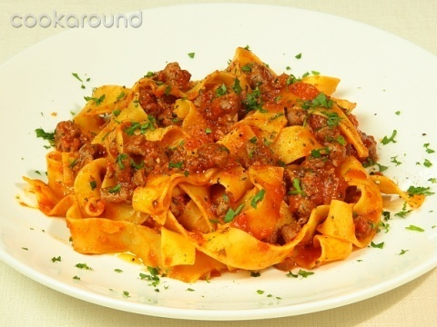 Pappardelle con il cinghiale: Ricetta Tipica Toscana >> If the recipe is in Italian, it must be legit.