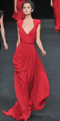 red dress.// lo ameeee ...claro tenía que ser de Elie Saab!! Seco