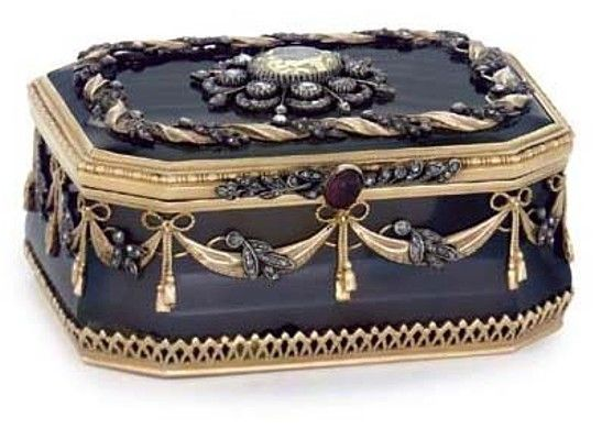 A CONTINENTAL GOLD-MOUNTED GREY AGATE SNUFF-BOX BEARING SPURIOUS MARKS FOR FABERGÉ, POSSIBLY GERMAN, FIRST HALF 20TH CENTURY Oblong with canted corners, the sides applied with diamond mounted gold and silver drapery swags, the hinged cover with a central foiled cut paste within a diamond border. Given on the occasion of the marriage of H.R.H. The Princess Margaret, Countess of Snowdon, to Antony Charles Robert Armstrong-Jones, Earl of Snowdon on 6 May 1960. #antique #vintage #box