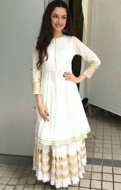 Divya Khosla Kumar spotted in Sukriti and Aakriti