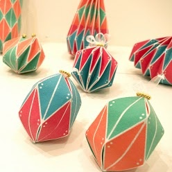 Origamic packaging by Maori Kimura  An amazingly versatile packaging design…