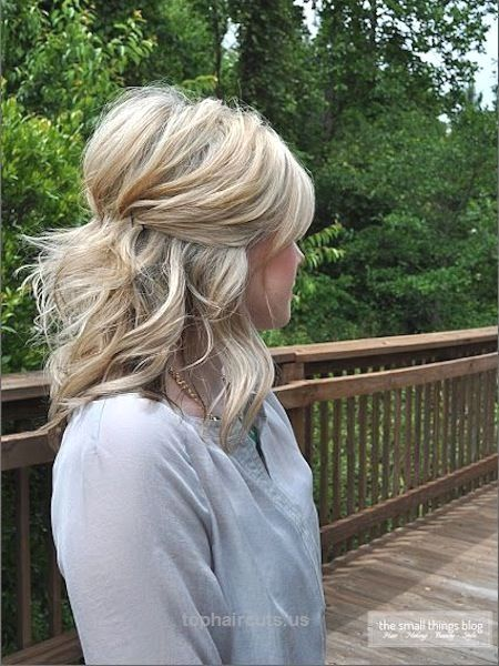 Simply Pinned Up – Latest Medium Hairstyle Trends For 2015 – Hot Hairstyles For Thin or Fine Hair  Pinned back and up with some of the back simply hanging down.  This is a lovely half updo hairstyle. Works well with thin hair as well.  http://www.tophaircuts.us/2017/06/13/simply-pinned-up-latest-medium-hairstyle-trends-for-2015-hot-hairstyles-for-thin-or-fine-hair/