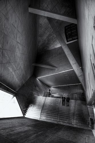 casa da música - descendo by António Alfarroba, via Flickr