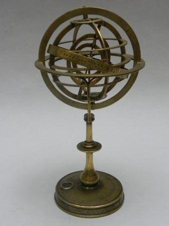 Sphère armillaire en laiton conçue vers 1600 - Objets vendus - Antiquité Delalande
