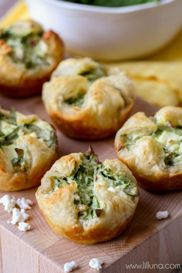 thanksgiving appetizer: spinach cheese puffs