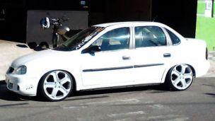 Chevrolet Corsa Classic 2006 com rodas   aro 17