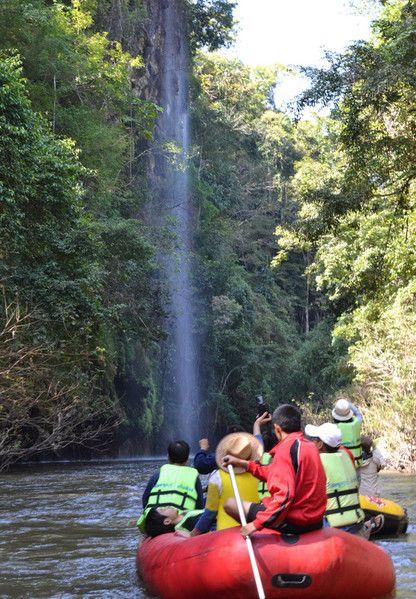 Abenteuerurlaub: Rafting in Umphang.