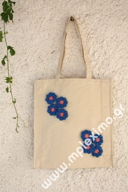 Canvas tote bag, embellished with blue crocheted flowers, from mpleximo.gr