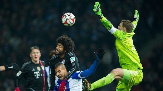 Parady bramkarskie Neuera w Bundeslidze • Hertha Berlin vs Bayern Monachium • Świetne interwencje Manuela Neuera przed szesnastką >>