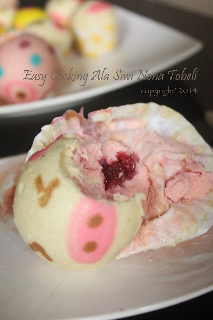 steamed cake character with strawberry filling